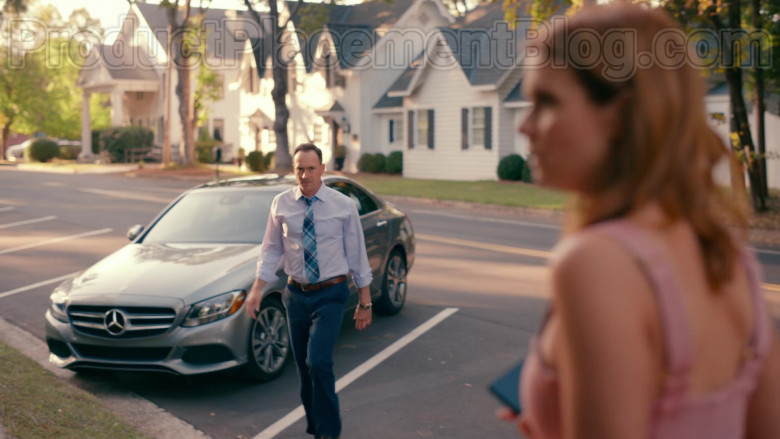 Mercedes-Benz C300 Car Used by TV Show Cast Member in Sweet Magnolias S01E09 (3)