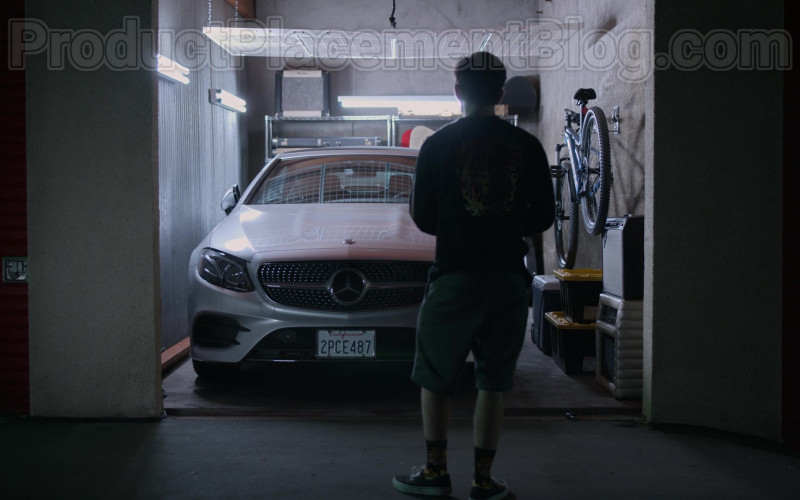 Mercedes-Benz E-Class Car in Dead to Me S02E04 Between You And Me (2020)