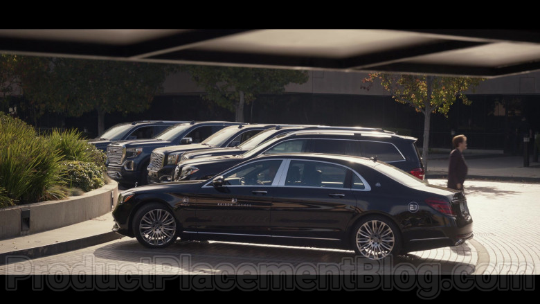 Mercedes-Benz S-Class Maybach S560 Black Car in Space Force S01E07 TV Show (1)