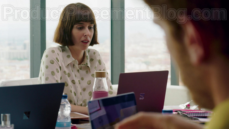 Microsoft Surface Laptop Used by Paula Malia as Carmen in Valeria S01E03 (1)