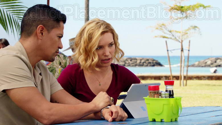 Microsoft Surface Tablet Used by Perdita Rose Annunziata Weeks in Magnum P.I. S02E18 (4)