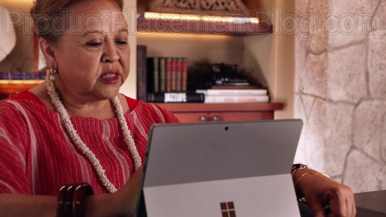 Microsoft Surface Tablet of Amy Hill as Teuila 'Kumu' Tuileta in Magnum P.I. TV Series [S02E19] (1)