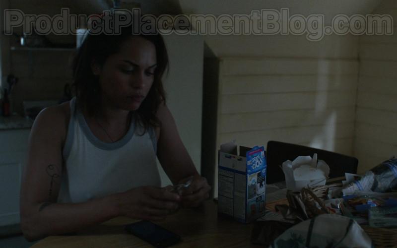Monica Raymund as Jackie Quinones Enjoying Pop-Tarts Toaster Pastries in Hightown S01E02 TV Series (1)
