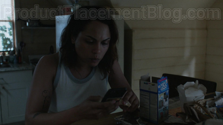 Monica Raymund as Jackie Quinones Enjoying Pop-Tarts Toaster Pastries in Hightown S01E02 TV Series (2)