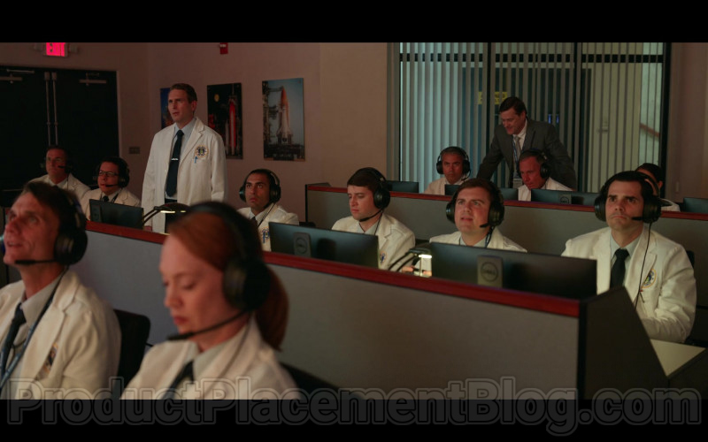 Netflix's TV Show Cast Members Using Dell Monitors in Space Force S01E05 (3)