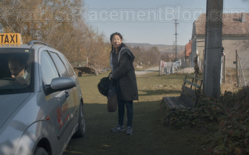 New Balance Grey Shoes of Sandra Oh in Killing Eve S03E04 Still Got It (2020)