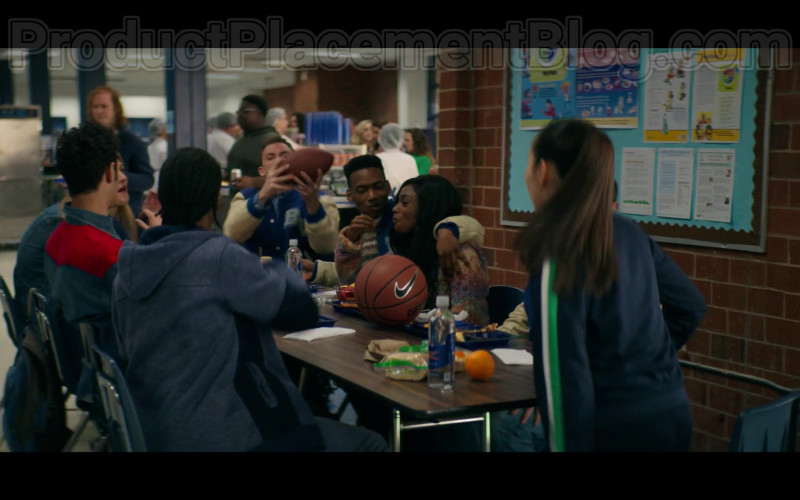 Nike Basketball in Stargirl S01E01 CW TV Series (1)