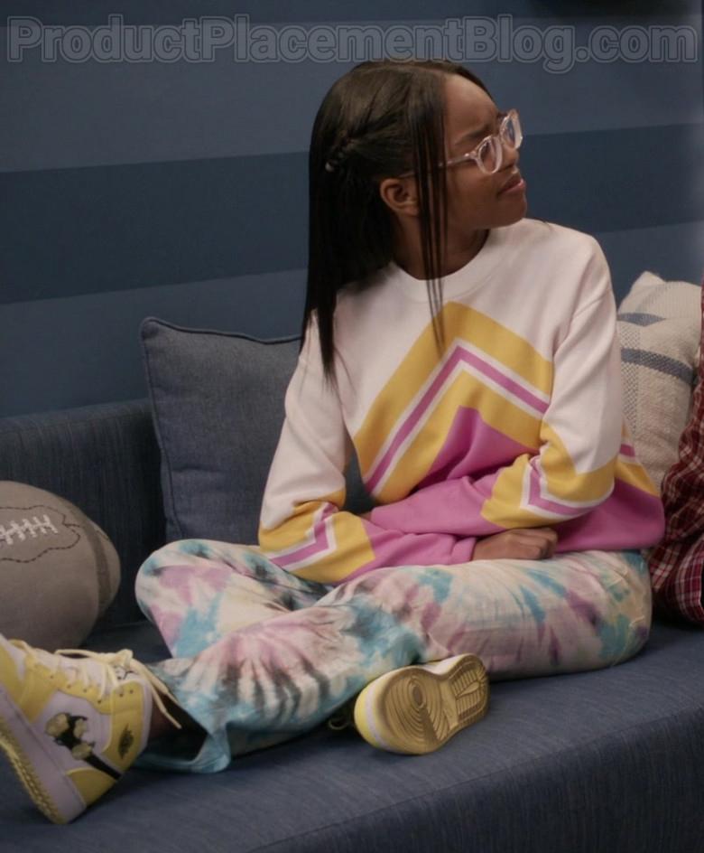 Nike Jordan 1 Mid Se Yellow-White Shoes of Marsai Martin as Diane Johnson in Black-ish S06E23