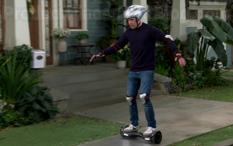 Nike Killshot 2 Leather Men's Shoes of Max Greenfield as Dave Johnson in The Neighborhood TV Series (1)