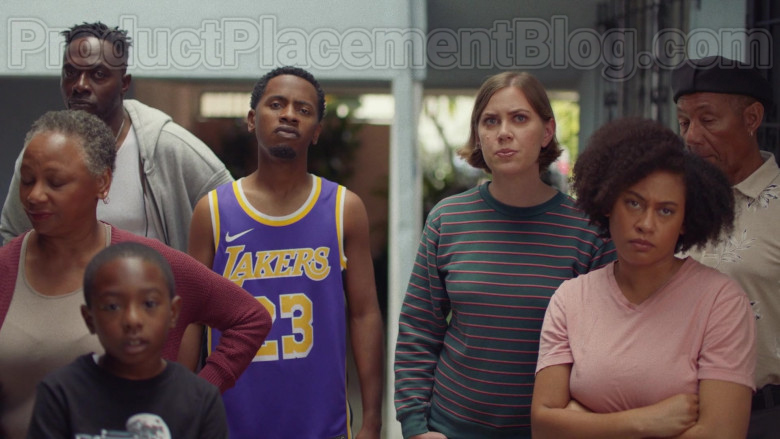 Nike Lakers Jersey in Insecure S04E04 (1)