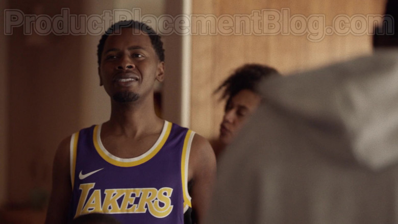 Nike Lakers Jersey in Insecure S04E04 (2)