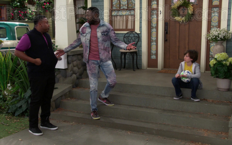 Nike Men's Low Classic Brown Shoes of Sheaun McKinney as Malcolm Butler in The Neighborhood (2)