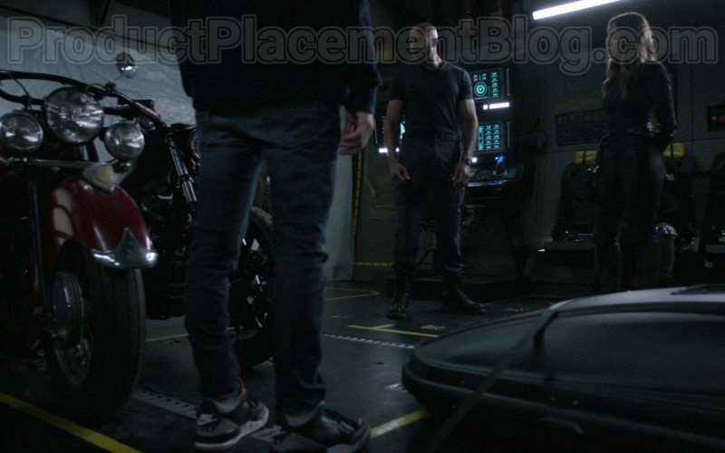 Nike Sneakers of Jeff Ward as Deke Shaw in Marvel's Agents of S.H.I.E.L.D. S07E01 (1)