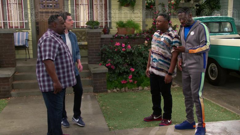 Nike Sneakers of Marcel Spears in The Neighborhood S02E22 (2)