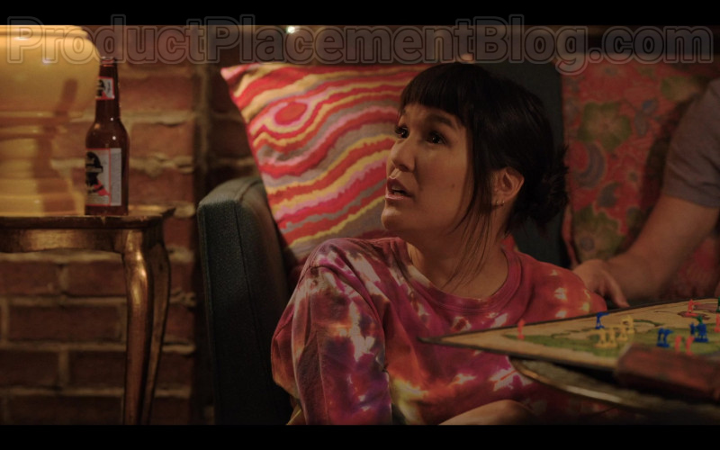 Pabst Beer Enjoyed by Zoë Chao as Sara Yang in Love Life S01E02 Bradley Field (2020)