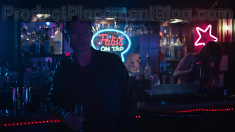 Pabst On Tap Neon Sign in Hightown S01E01 (2)