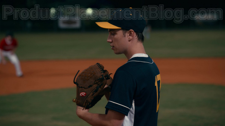 Rawlings Baseball Glove of Carson Rowland as Tyler 'Ty' Townsend in Sweet Magnolias S01E02 (2)