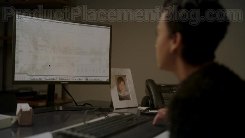Samsung Computer Monitors in Upload S01E07 Bring Your Dad to Work Day (2)