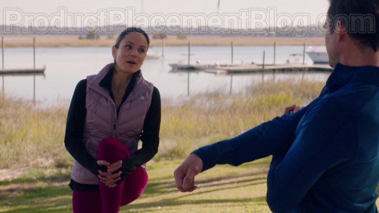 Sarah Wayne Callies Wearing The North Face Vest Running Outfit in Council of Dads S01E05 TV Show (1)