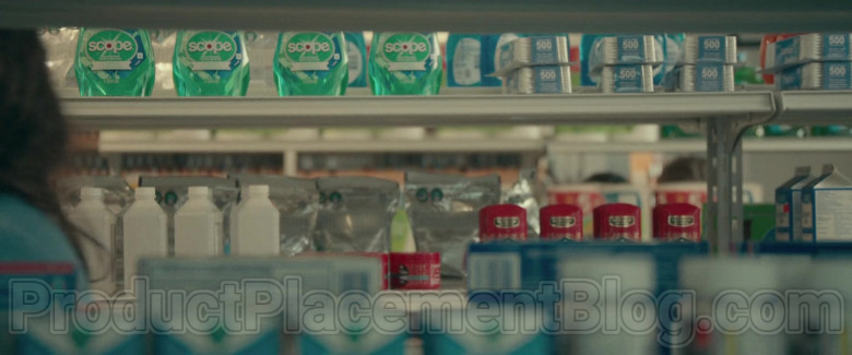 Scope Mouthwash by Crest in The Half of It Movie by Netflix (2)