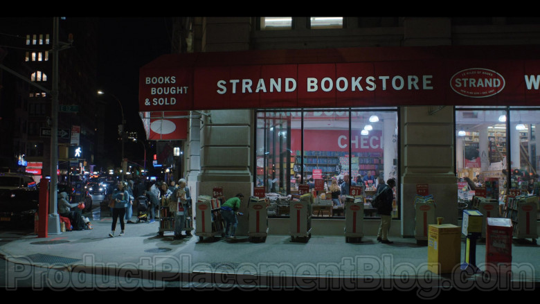 Strand Book Store in Love Life S01E01 Augie Jeong (2020)