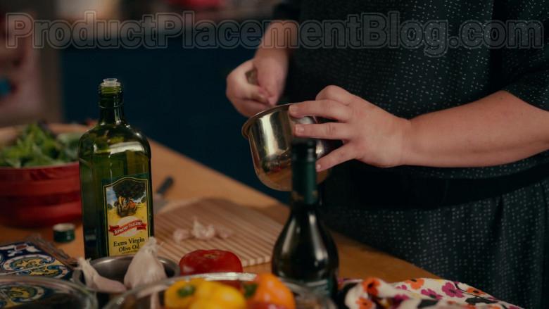 Supremo Italiano Extra Virgin Olive Oil in Sweet Magnolias S01E03 Netflix TV Show