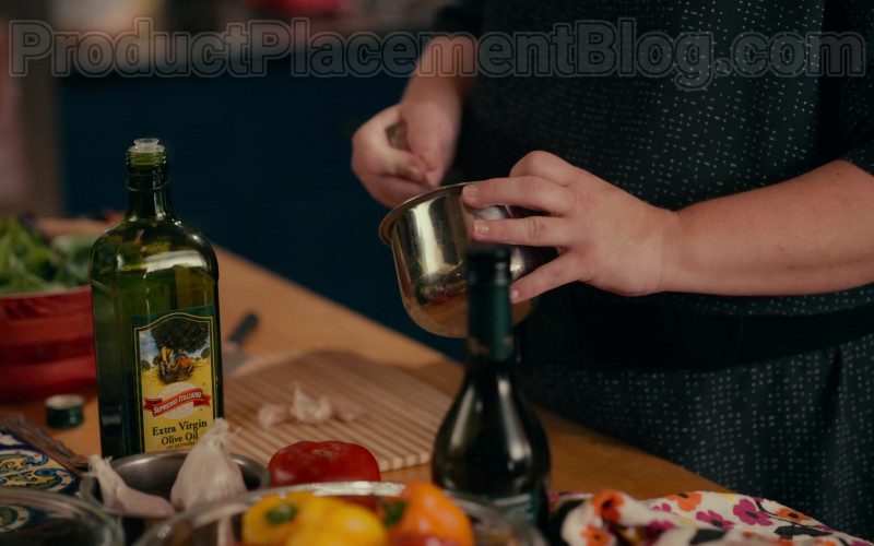 Supremo Italiano Extra Virgin Olive Oil in Sweet Magnolias S01E03 Netflix TV Show