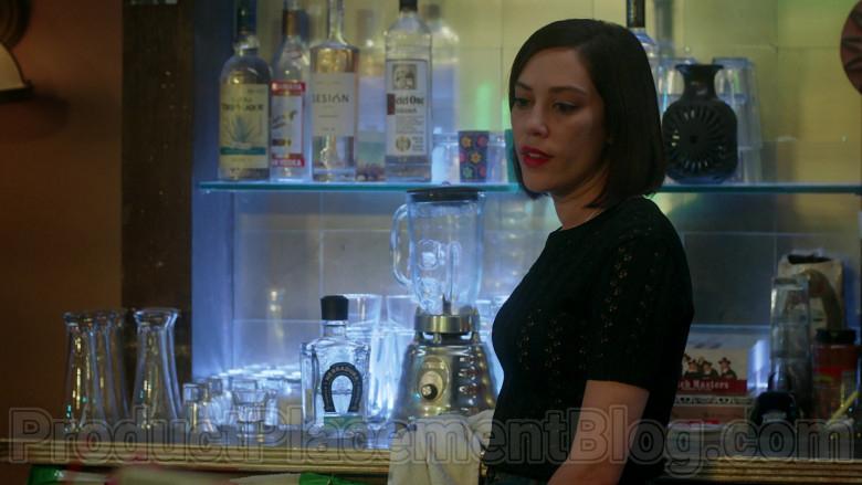 Tequila Herradura, Sesión Premium Tequila, Ketel One Vodka in Vida S03E03 (2020)