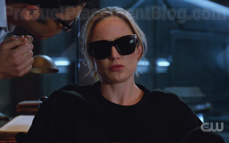 Tom Ford Sunglasses in DC's Legends of Tomorrow S05E12 TV Series (1)
