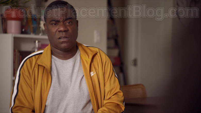 Tracy Morgan as Tray Wearing Nike Yellow Track Jacket Outfit in The Last O.G. S03E07 TV Series (1)