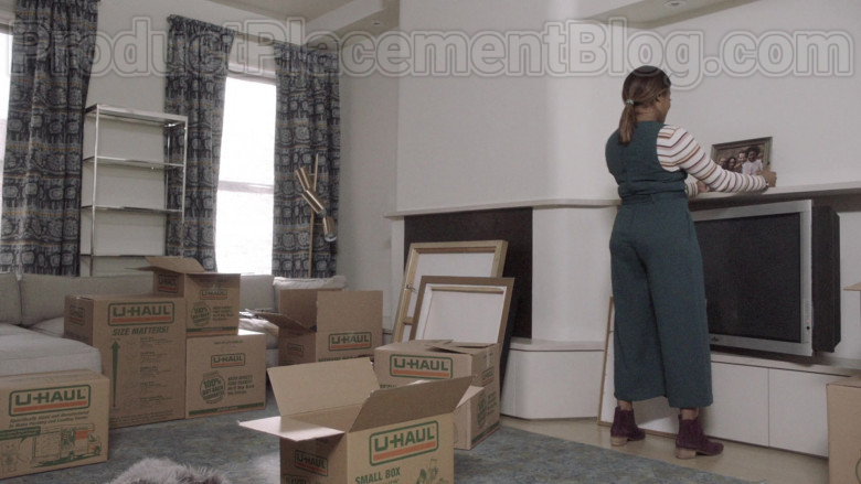 U-Haul Boxes Used by Tiffany Haddish as Shay in The Last O.G. TV Show [S03E06] (3)