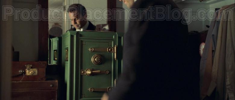 Yale Safe in Titanic Movie (3)