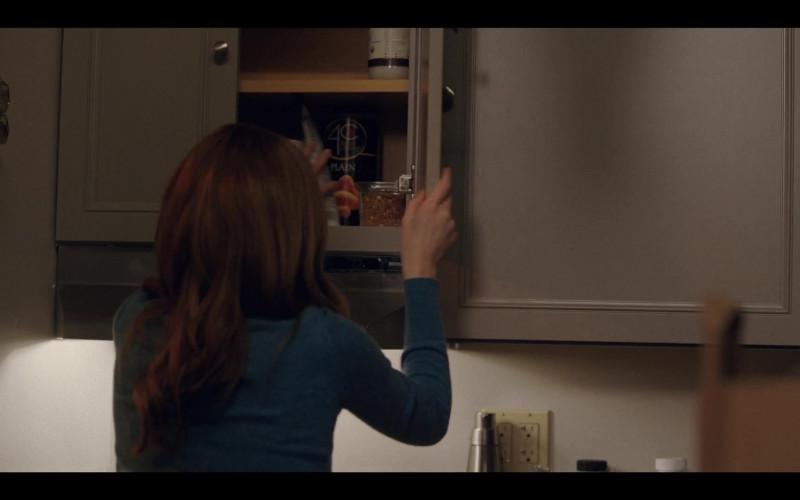 4C Plain Bread Crumbs in Love Life S01E07 Claudia Hoffman (2020)