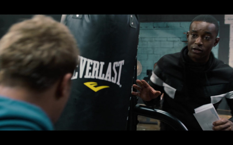 Actor Using Everlast Punching Bag in 13 Reasons Why S04E01 TV Series (2)