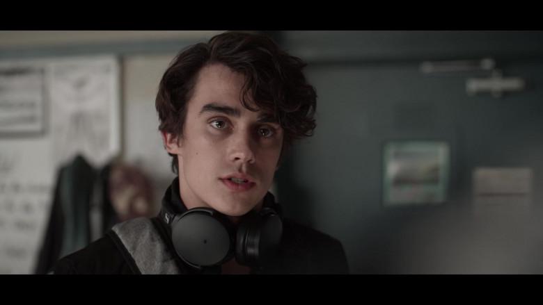 Actor Using Sennheiser Headphones in 13 Reasons Why S04E06 TV Show (2)