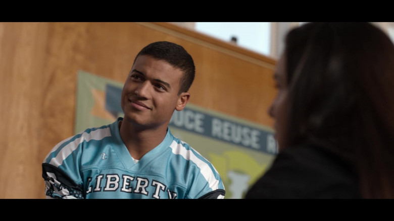 Actors Wearing Champion Blue Jerseys in 13 Reasons Why S04E01 (2)