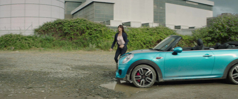 Actress Driving Mini Cooper Convertible Car in Four Kids and It 2020 Movie (2)