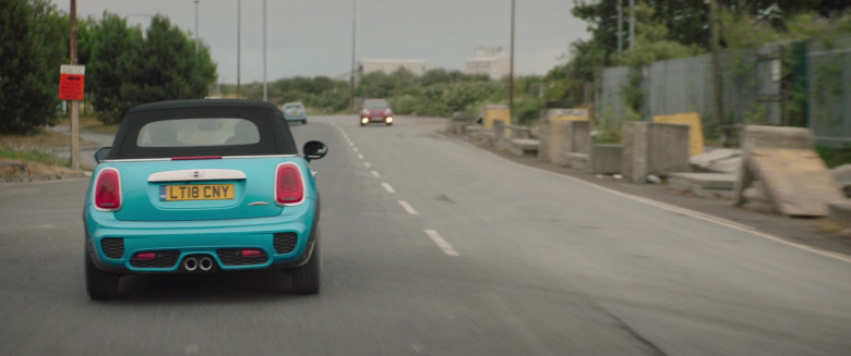 Actress Driving Mini Cooper Convertible Car in Four Kids and It 2020 Movie (3)