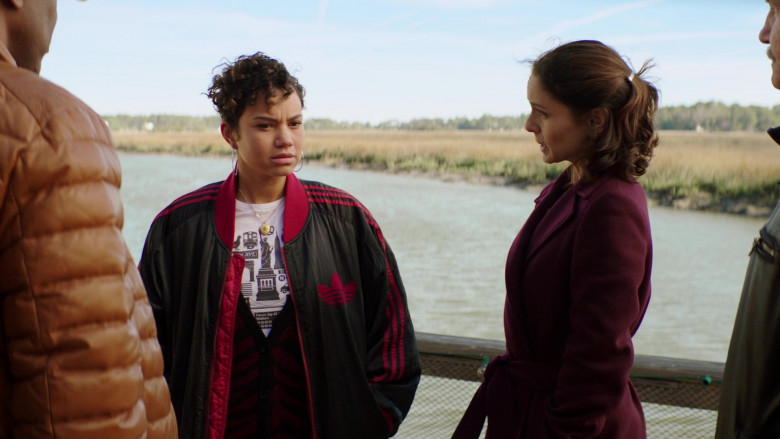 Actress Michele Weaver Wears Adidas Jacket in Council of Dads S01E08 TV Series (2)