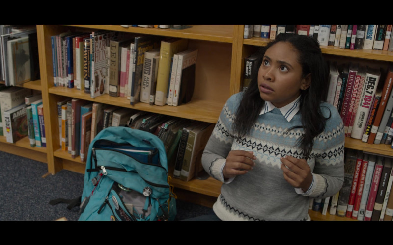 Actress Using Jansport Blue Backpack in 13 Reasons Why S04E03 Valentine's Day (2020)