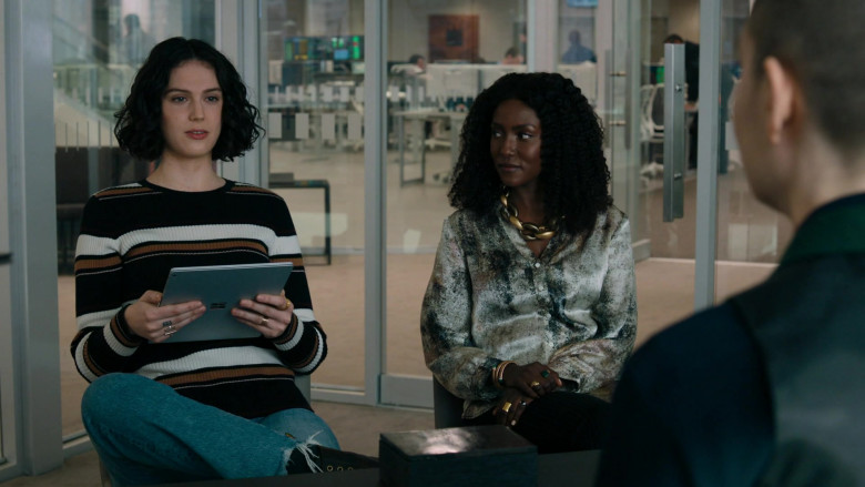 Actress Using Microsoft Surface Tablet in Billions S05E06 The Nordic Model (2020)