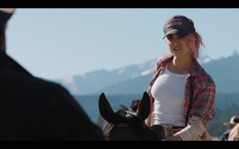 Actress Wears Cactus Ropes Cap in Yellowstone TV Series (1)
