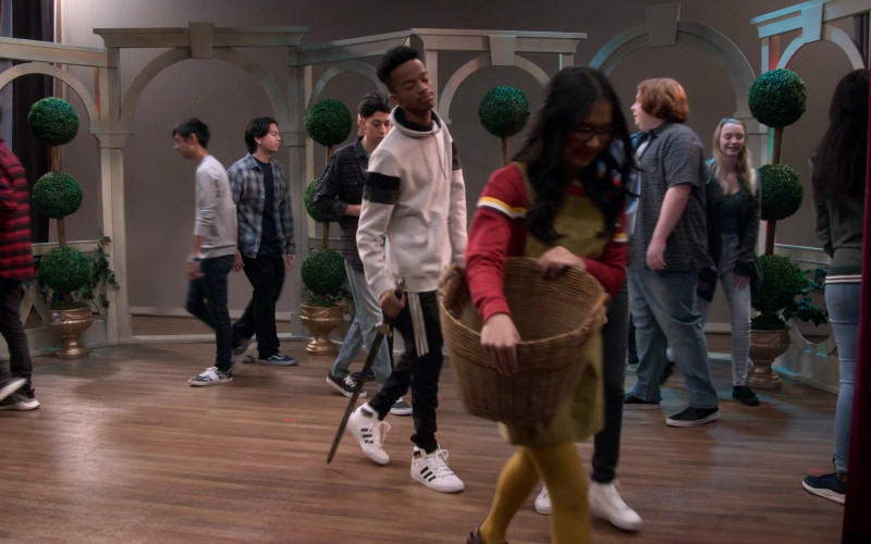 Adidas High Top Shoes Worn by Coy Stewart in Mr. Iglesias S02E06 (2)