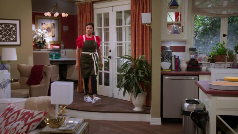 Adidas Sneakers Worn by Tiffani Thiessen as Lori in Alexa & Katie S04E06 (2)