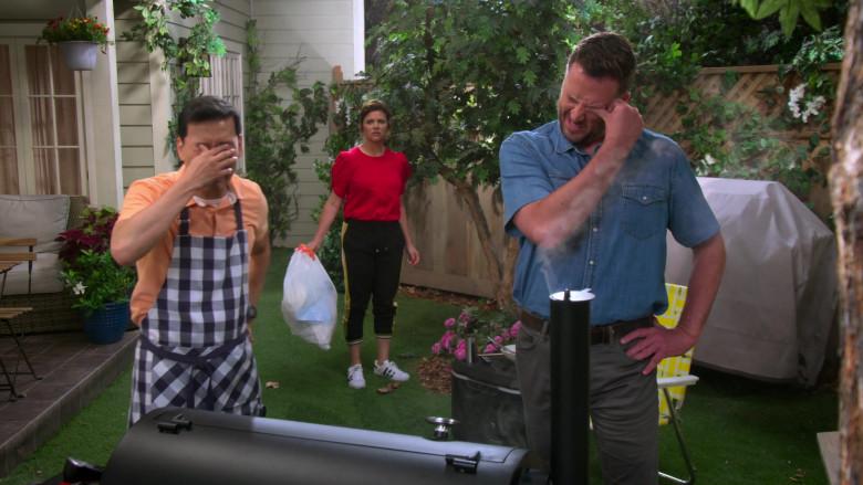 Adidas Sneakers Worn by Tiffani Thiessen as Lori in Alexa & Katie S04E06 (3)