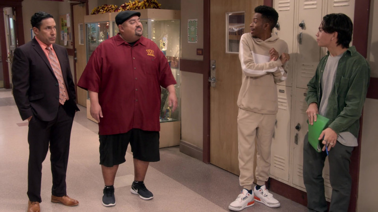 Air Jordan 3 Sneakers Worn by Coy Stewart in Mr. Iglesias S02E02 Taming the Carlos (1)
