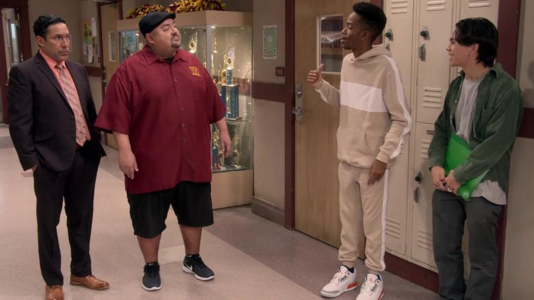 Air Jordan 3 Sneakers Worn by Coy Stewart in Mr. Iglesias S02E02 Taming the Carlos (2)