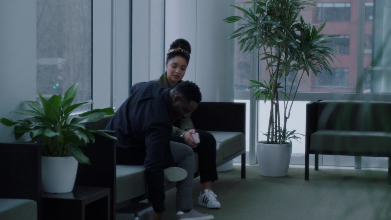 Aisha Dee as Kat Wears Adidas Superstar Shoes Outfit (2)