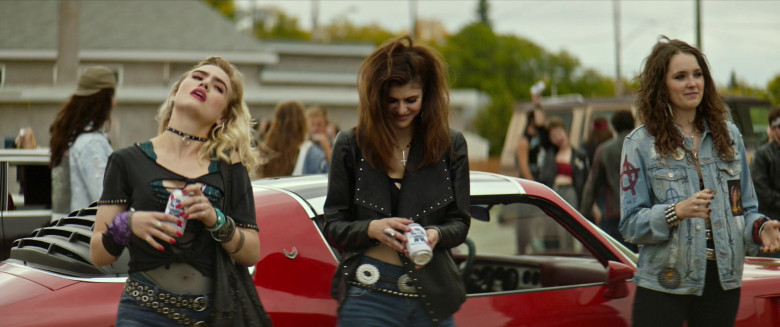 Alexandra Daddario Drinks Pabst Blue Ribbon Beer in We Summon the Darkness Movie. (1)