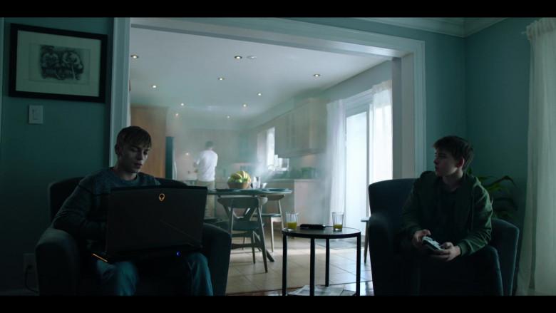 Alienware Laptop in Condor S02E03 TV Show (2)